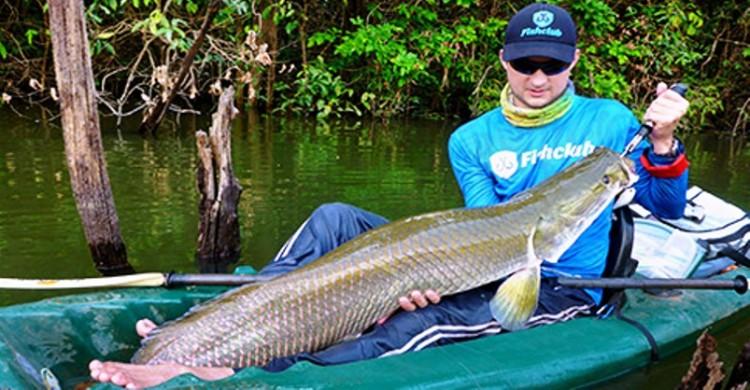 Pesca de caiaque também rende peixão nos rios do brasil