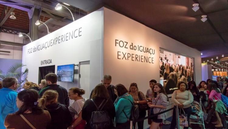 Exposição promove o turismo em Foz do Iguaçu na Casa Brasil