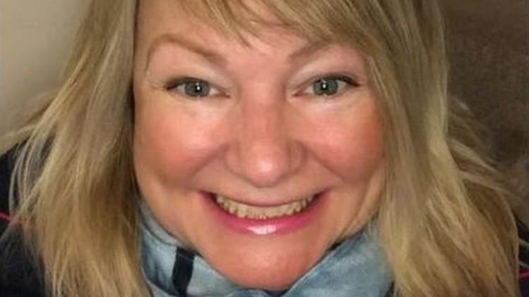 Mulher britânica perde 150 mil dolares em golpe aplicado via site de encontro