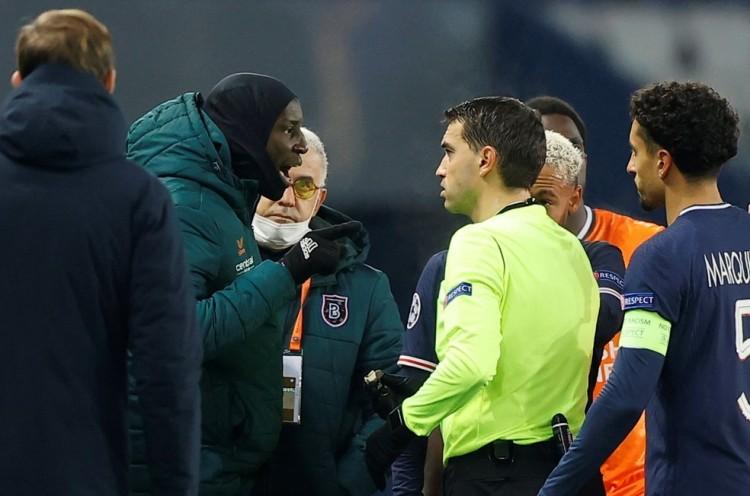 Jogadores do PSG e Istanbul abandonam partida depois de ato racista do quarto arbitro